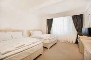 Комфортна четворна стая в Аква Спа Хотел Златоград